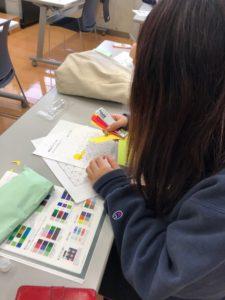 金の卵たち~カラーデザインの授業風景